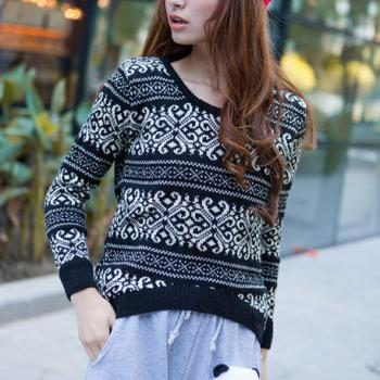 Loose Fitting Snowflake Knit Sweater - Black